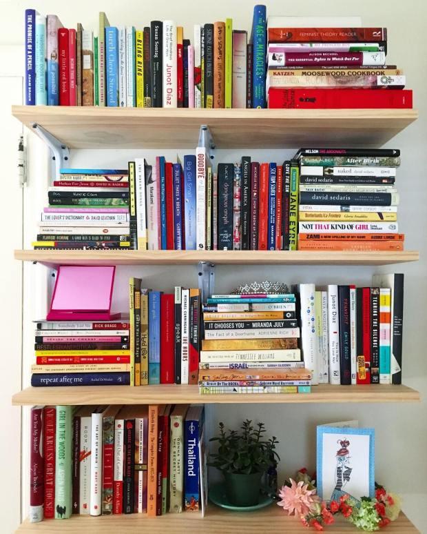 vanessa_bookshelf
